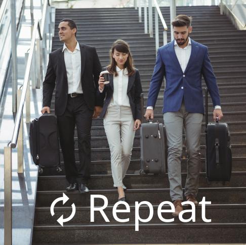 3 Geschäftsreisende auf wiederkehrender Reise